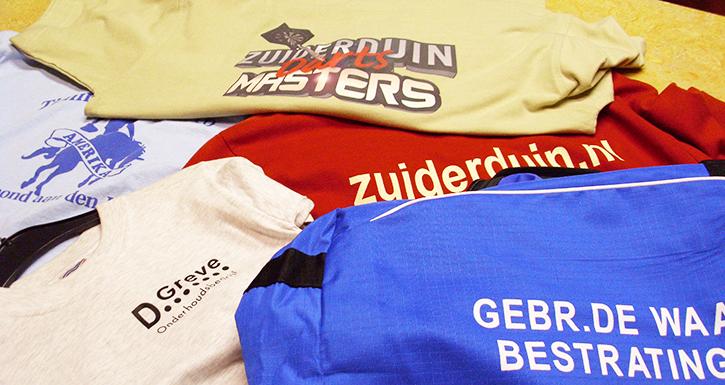 3a00bd10404 Uw bedrijfsnaam en/of logo op sportkleding is opvallend en exclusief, en  daardoor een goede investering voor uw bedrijf. Uiteraard kiezen wij voor  de beste ...
